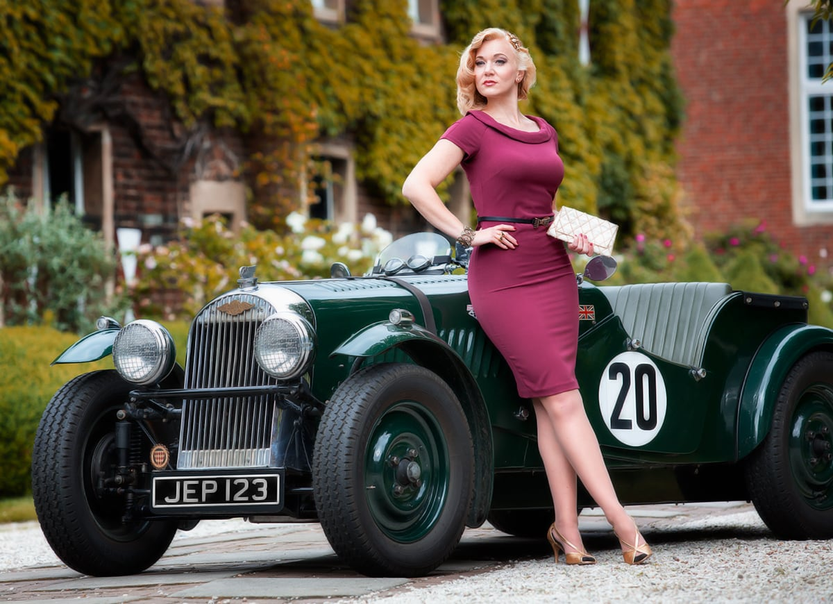 Eine Vintage Lady an einem Morgan 4/4 – Autofotograf Dortmund