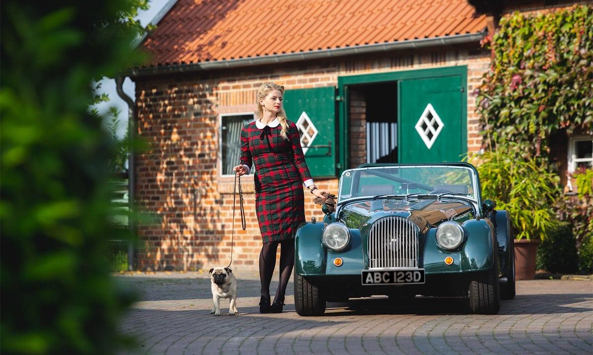 Ein Morgan 8 Plus auf einem Bauernhof – Autofotograf Dortmund