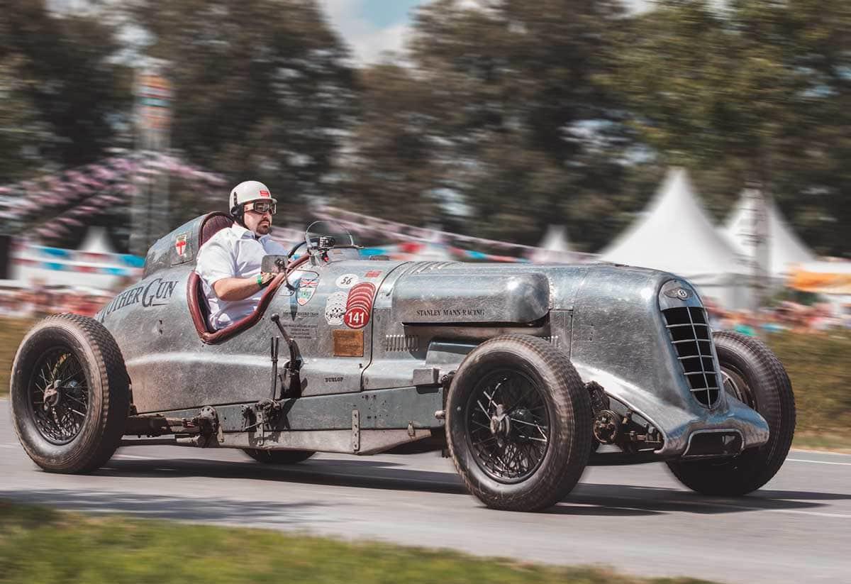 Ein Bentley von 1929 am Schloss Dyck – Autofotograf Dortmund