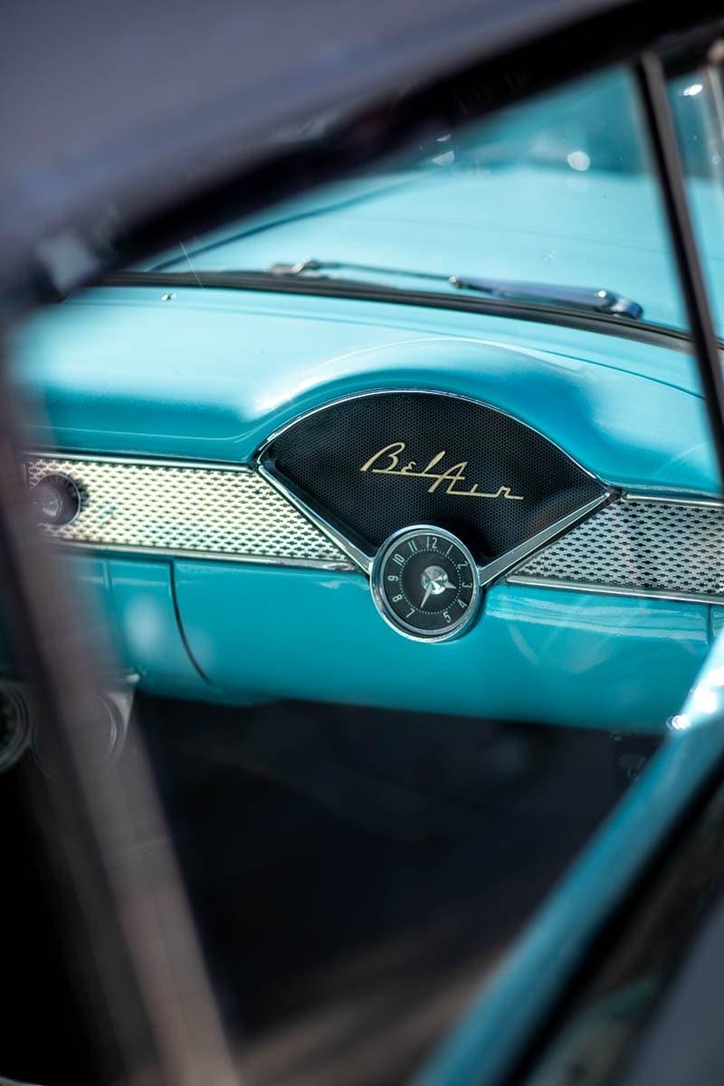 Handschuhfach eines Chrysler Bel Air von 1954 – Autofotograf Dortmund